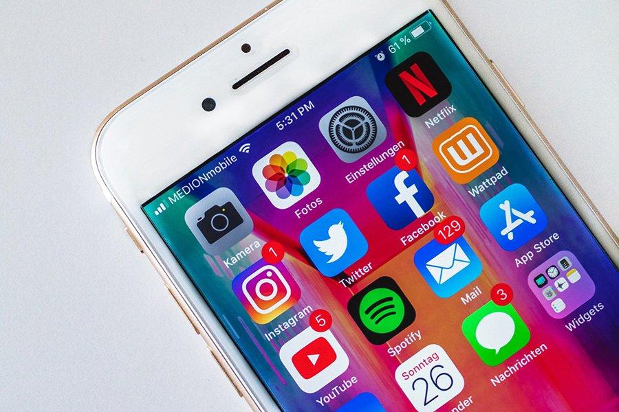 Social media platforms for e-commerce